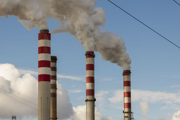 Zanieczyszczone powietrze w Poznaniu. Miasto ponad dwukrotnie przekracza dopuszczalną normę