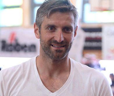 Maciej Dowbor w nowej fryzurze