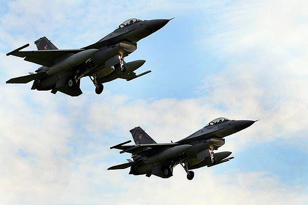Polskie F16 z bazy w Powidzu
