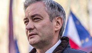 """Bruksela. Robert Biedroń pokazał film """"Tylko nie mów nikomu"""""""