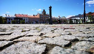 Rynek w Skierniewicach: dwie dekady bez zieleni