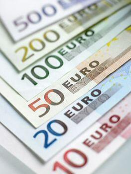 Znalazła 10 tys. euro w kieszeni używanej odzieży