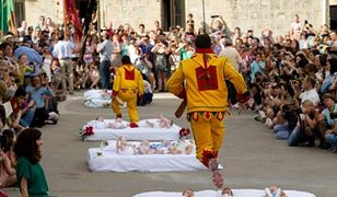 El Colacho to festiwal odbywający się w Hiszpanii
