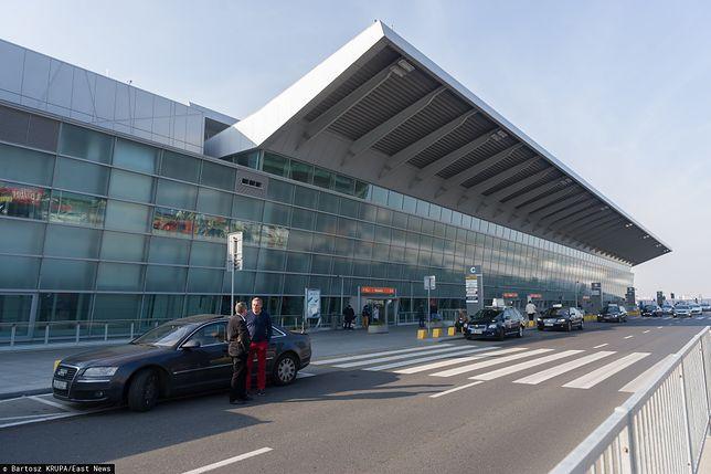 Poseł Koalicji Obywatelskiej zasłabł w samolocie na lotnisku im. Fryderyka Chopina w Warszawie