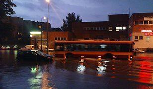 Potężna burza przeszła nad Warszawą - zalane metro