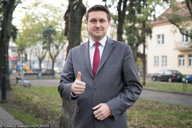 Poseł PiS Łukasz Zbonikowski wrócił do łask partii. Sprawy obyczajowe najwyraźniej mu zapomniano