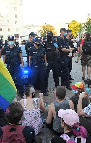 Protesty przeciwko zatrzymaniu aktywistki LGBT Margot w Warszawie