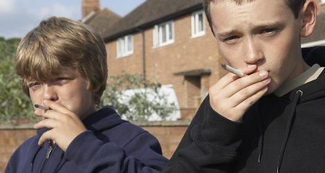 Młodzież pali azbestowe papierosy!