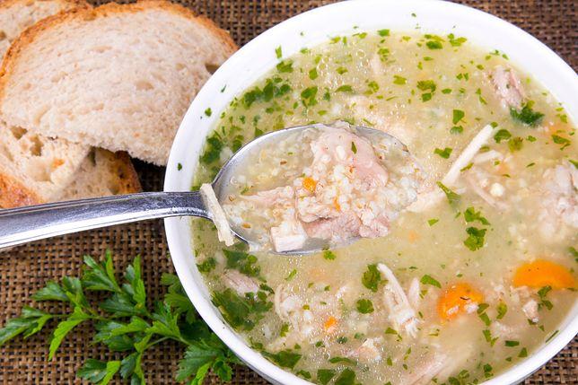 Krupnik to gęsta, sycąca i rozgrzewająca zupa, idealna na jesienne chłody