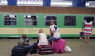 13 godzin w pociągu i prawie 900 km na liczniku. To kawałek kolei transpolskiej