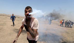23-letni Palestyńczyk walczy o życie po tym, jak pocisk z gazem łzawiącym trafił go w twarz