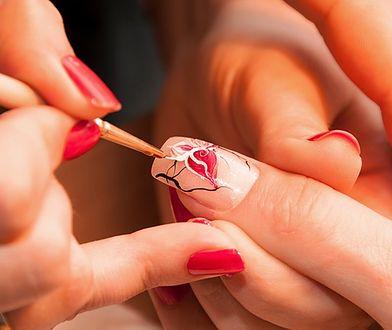 Marmurkowe paznokcie można zrobić w domu w prosty sposób