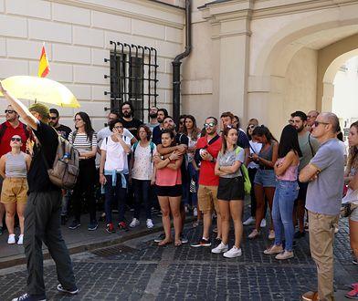 Turystyka. Warszawa chce lepszej regulacji wynajmu mieszkań w internecie