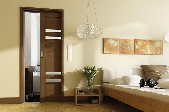 Drzwi wewnętrzne do małego mieszkania: drzwi przesuwne i łamane