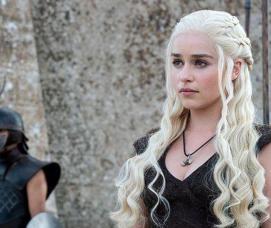 Emilia Clarke jako Daenerys, matka smoków
