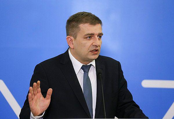 Bartosz Arłukowicz ma plan - jeśli przychodnie POZ nie podpiszą kontraktów