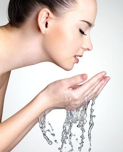 Mit: Twarz należy myć gorącą wodą