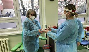 Koronawirus. Kolejny szpital ma problemy ze szczepieniami na COVID-19. Długi czas oczekiwania i odprawienie z kwitkiem