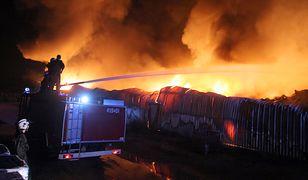 Z pożarem w Mikołowie walczyło 150 strażaków (zdjęcie ilustracyjne)