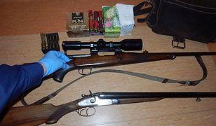 Pijany myśliwy miał w samochodzie dwie strzelby oraz blisko 100 sztuk amunicji