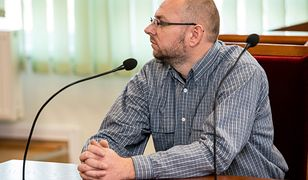 """Piotr Wielgucki znany jako """"Matka Kurka"""" oskarża ludzi z WOŚP o oblanie jego domu czarną mazią"""