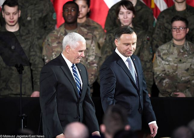 Mike Pence (L) i Andrzej Duda (P) złożą wizytę w obozie koncentracyjny Auschwitz-Birkenau