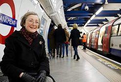 Codziennie wchodzi do metra, by usłyszeć głos zmarłego męża