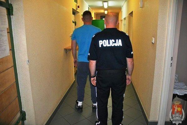 Policyjna zasadzka. Wołomińscy złodzieje samochodów zatrzymani
