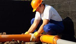Przyłącza wodne i kanalizacyjne - porady praktyczne
