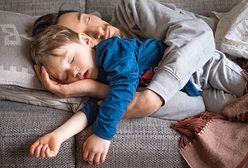 Koronawirus w Polsce. Dzieci mają zostać w domu. Ale co z tymi, które domy mają dwa?