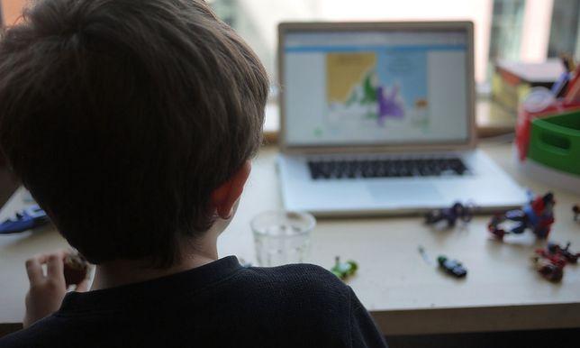 Nauczanie zdalne. Rodzice chcą sami oceniać dzieci