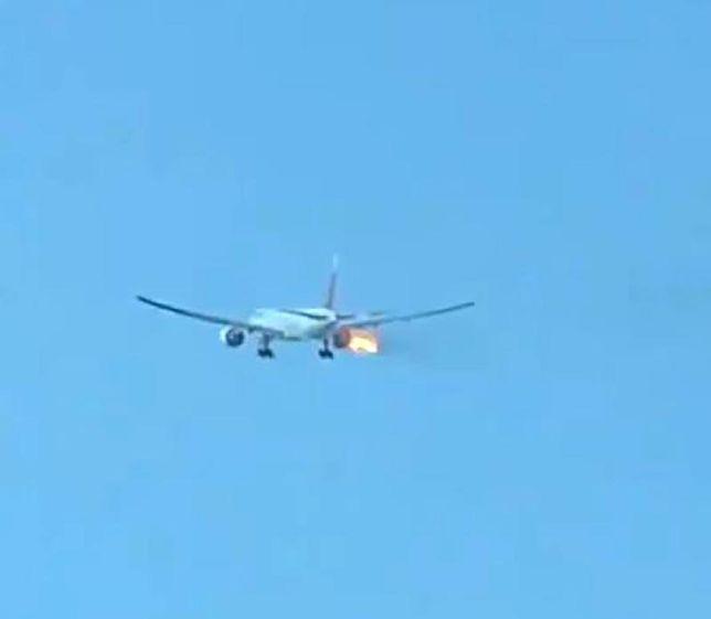 Boeing 777 zapalił się w trakcie lotu