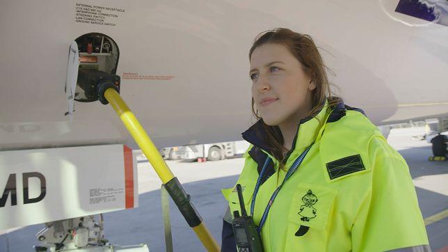 Joanna Lewicka jest koordynatorem rejsów. Dziennie może obsłużyć nawet i 8 lotów, ale to są rzadkie sytuacje