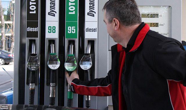 Prognoza cen paliw: ile zapłacimy przed świętami?