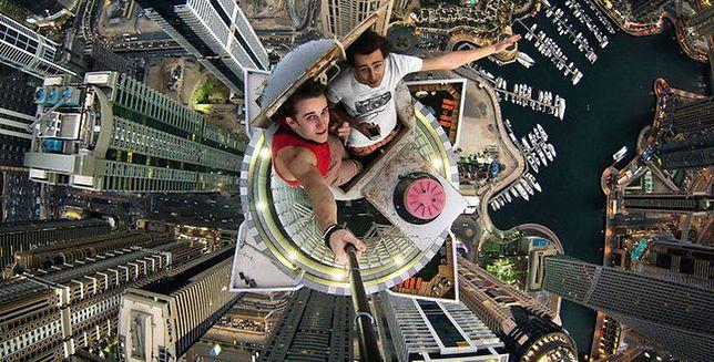 """""""Fajne selfie może kosztować życie!"""" - ostrzega rosyjskie MSW"""