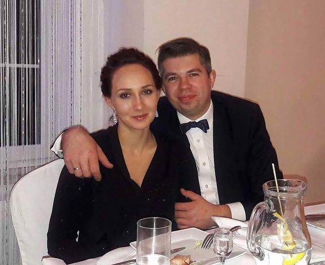 """""""Rolnik szuka żony"""": Paweł pokazał urocze zdjęcie z żoną. Wyjątkowa ciążowa sesja"""