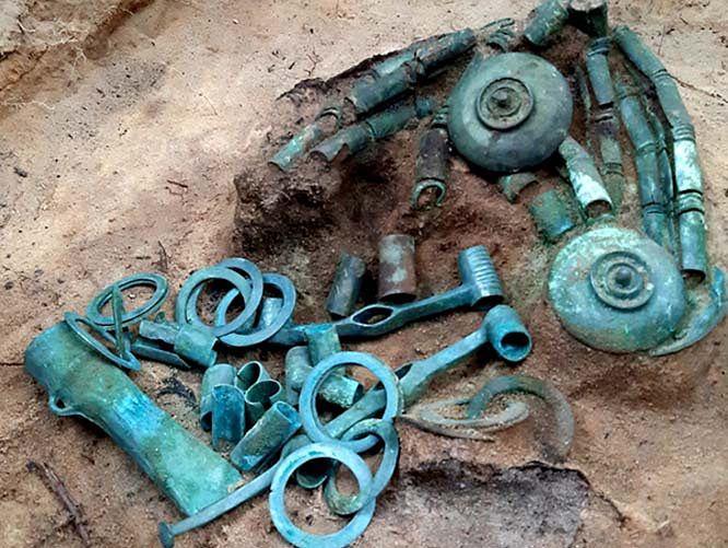 Skarb pod Toruniem. Odkryto worek ozdób sprzed 2,5 tysiąca lat