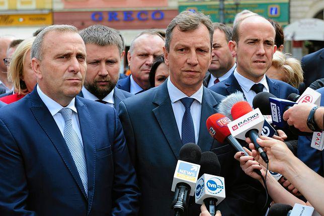Andrzej Halicki na konferencji prasowej PO w maju 2017 roku.