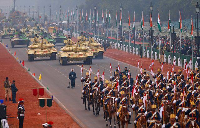 Wschodzące mocarstwo pokazuje potęgę armii - zdjęcia