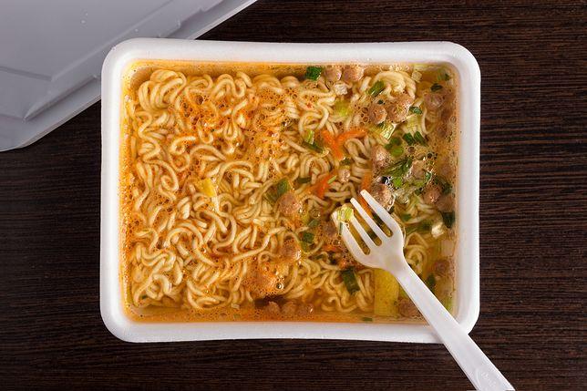 Kryzysowa kuchnia. Pięć pysznych potraw z zupek chińskich