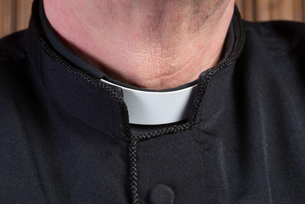 Zarobki duchownych. Niemiecki ksiądz dostaje nawet prawie 5 tys. euro. A polski?