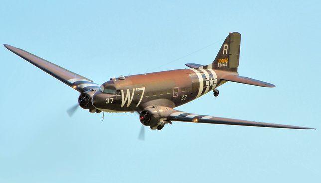 Douglas C-47 Skytrain w malowaniu z czasów II wojny