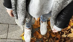 Założysz je do płaszcza i kurtki. Te sneakersy będziesz nosić jesienią i zimą