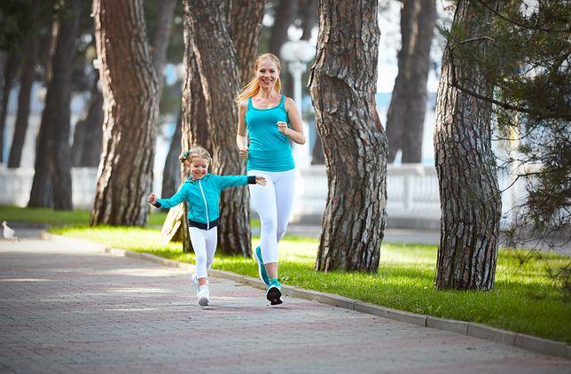 Dając dziecku przykład, wskazujemy mu ważną rolę sportu i dobrej kondycji w życiu człowieka