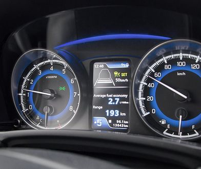 Dobre i złe sposoby na oszczędzanie paliwa