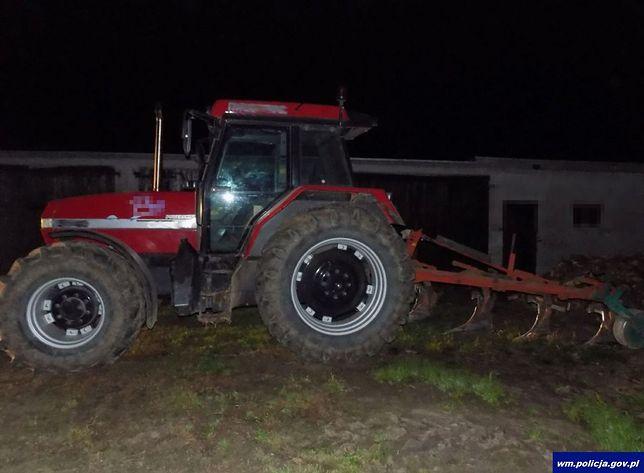 Bielice. Kierowca traktora z dołączonym pługiem miał w organizmie 3 promile alkoholu