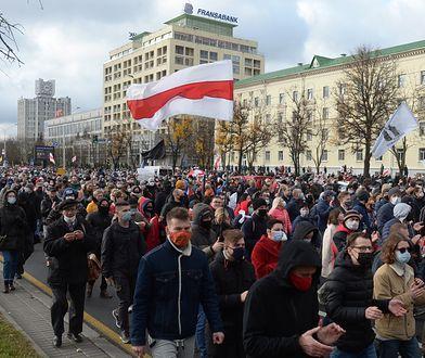 Białoruś: Milicja oddała strzały ostrzegawcze. Dziesiątki zatrzymanych