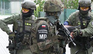 CBA zatrzymało 7 osób: wśród nich wojskowi. Służby ujawniły szczegóły