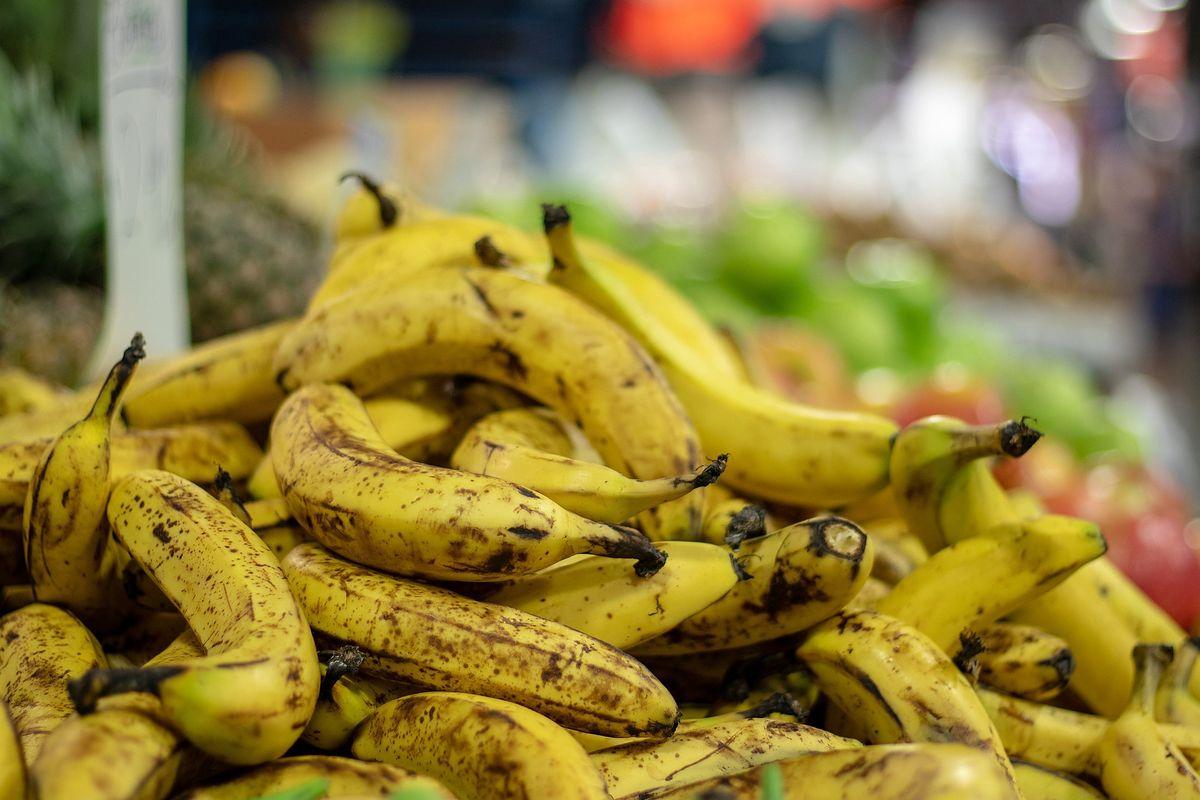 Kokaina w bananach w Biedronce. Znaleźli 19 kilogramów narkotyku