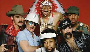 Najpierw Village People, później Pet Shop Boys. Jedna piosenka skradła serca kibiców